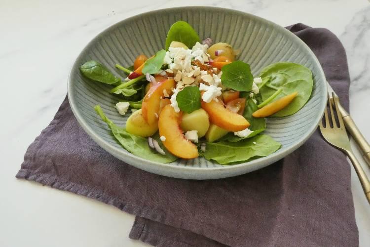 fersken-tomatsalat