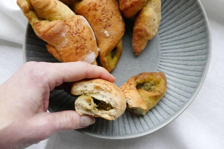 grove horn med pesto og parmesan