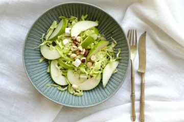 spidskålssalat med pære og feta